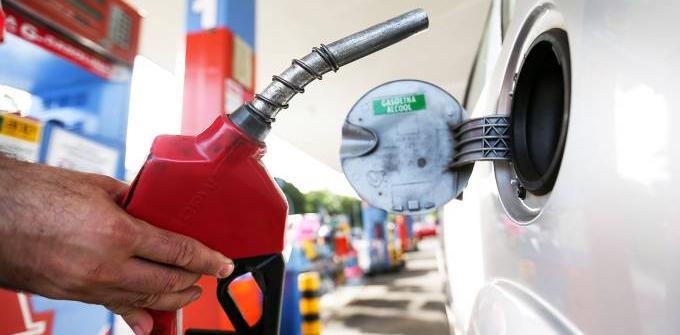 Novos critérios servem apenas para barrar gasolina importada de má qualidade