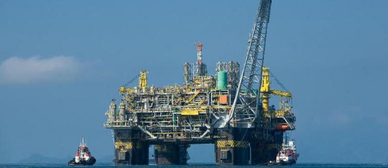 Com construção de plataformas em Singapura, Petrobrás abre mão de quase 100 mil empregos