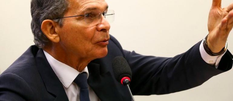 Salário de presidente da Petrobras equivale a mão de obra de 230 trabalhadores